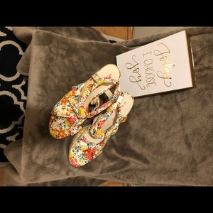 Rampage Size 10 Floral Wedge Sandals